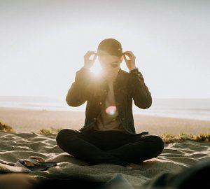 6 Miesten Tapaa Osoittaa Tunteitaan Ilman Sanoja